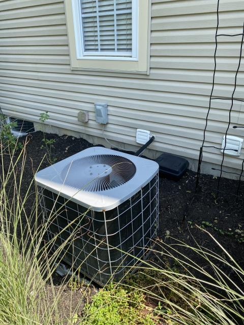 Blacklick, OH - Installed Carrier 13 SEER 3 Ton AC to replace International Comfort Products AC. Pictured below is the old AC unit.