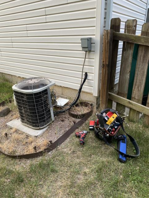Blacklick, OH - I Replaced the Compressor-Motor Surge Capacitor on the 2004 Bryant Air Conditioner
