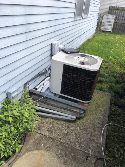 Canal Winchester, OH - I replaced the  Compressor-Motor Surge Capacitor on the 1989 bryant system