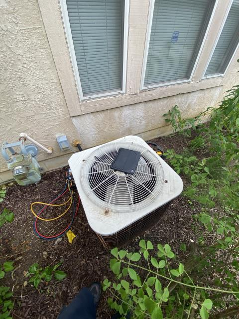 Westerville, OH - I replaced the Compressor-Motor Surge Capacitor on a Air Conditioner