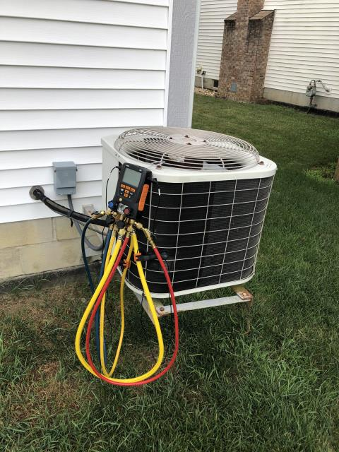 Canal Winchester, OH - I replaced the Compressor-Motor Surge Capacitor on the 2001 Bryant