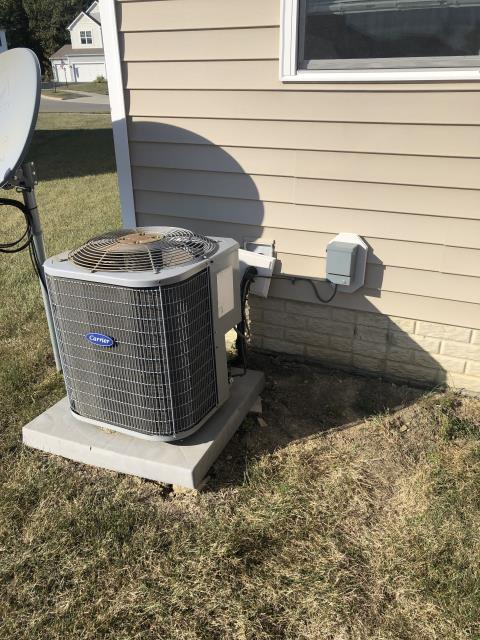 Etna, OH - Added 1.5 pounds of R-410A to Carrier AC. System cooling properly at departure.