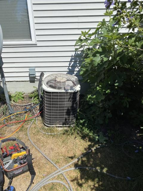 New Albany, OH - 2005 Bryant  AC is not blowing cold air.  I Explained system is low on refrigerant charge.
