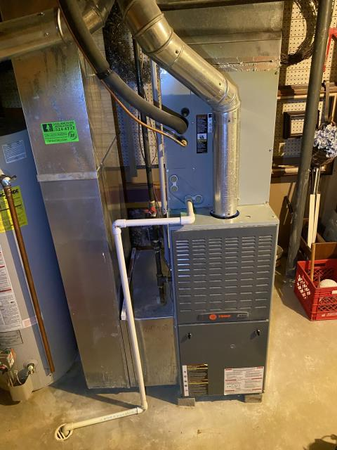Groveport, OH - I am Performing our Five Star Tune-Up & Safety Check on a 2004 Trane  Gas Furnace. All readings were within manufacturer's specifications, unit operating properly at this time.
