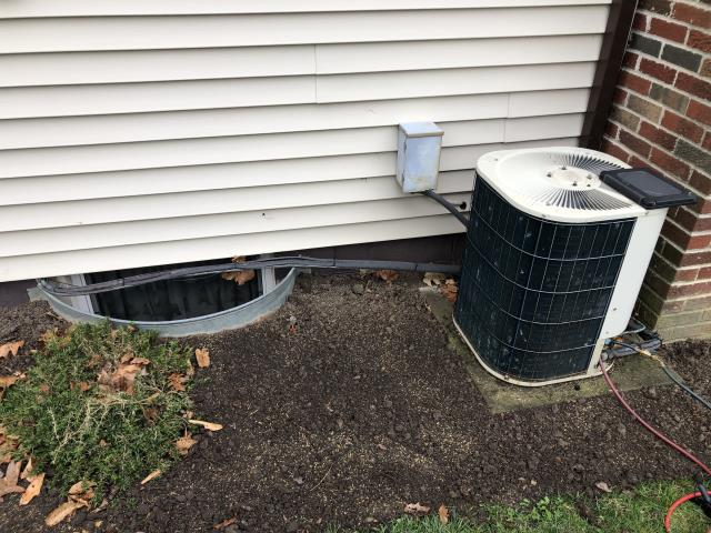 Delaware, OH - I performed a diagnostic on a Bryant air conditioner.  I found that the unit was leaking and low on refrigerant.  I quoted the cost for adding refrigerant but the customer wanted an estimated cost on replacing the unit.