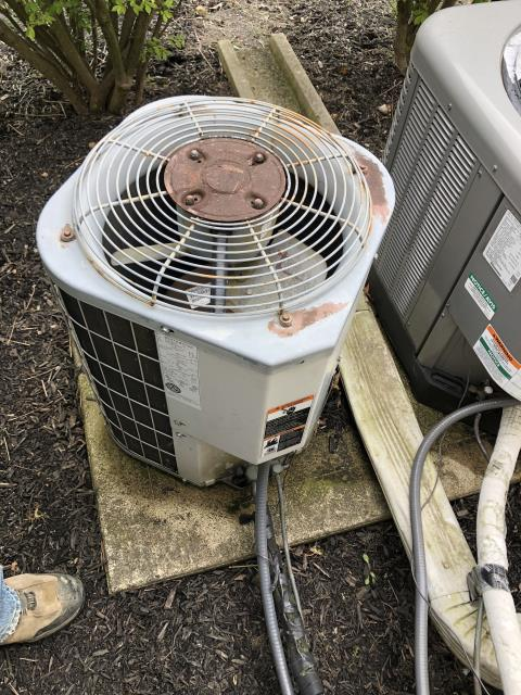 Westerville, OH - I provided an estimate for the install of a Five Star 13 SEER 2.5 Ton Air Conditioner. This would replace the old Carrier air conditioner that the customer has currently.