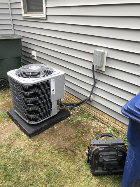 Canal Winchester, OH - After removing the air conditioner, I installed a Carrier 13 SEER 2.5 Ton Air Conditioner.  Cycled and monitored the system.  Operating normally at this time.  Included with the installation is a free 1 year service maintenance agreement.