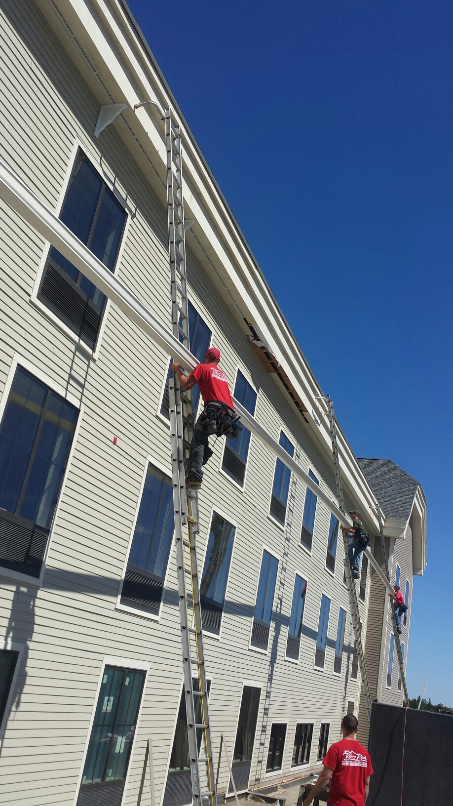 Cazenovia, NY - Putting up the last piece of a 900 linear foot job Hampton Inn Cazenovia