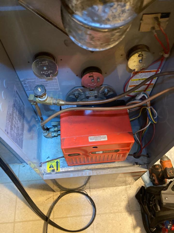 Bensalem, PA - Performed oil tuneup on a carrier oil fired furnace in Bensalem PA