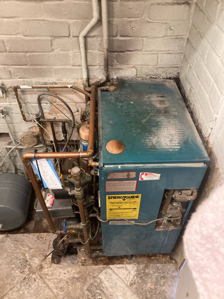 Levittown, PA - Replaced expansion tank and purged waterlines