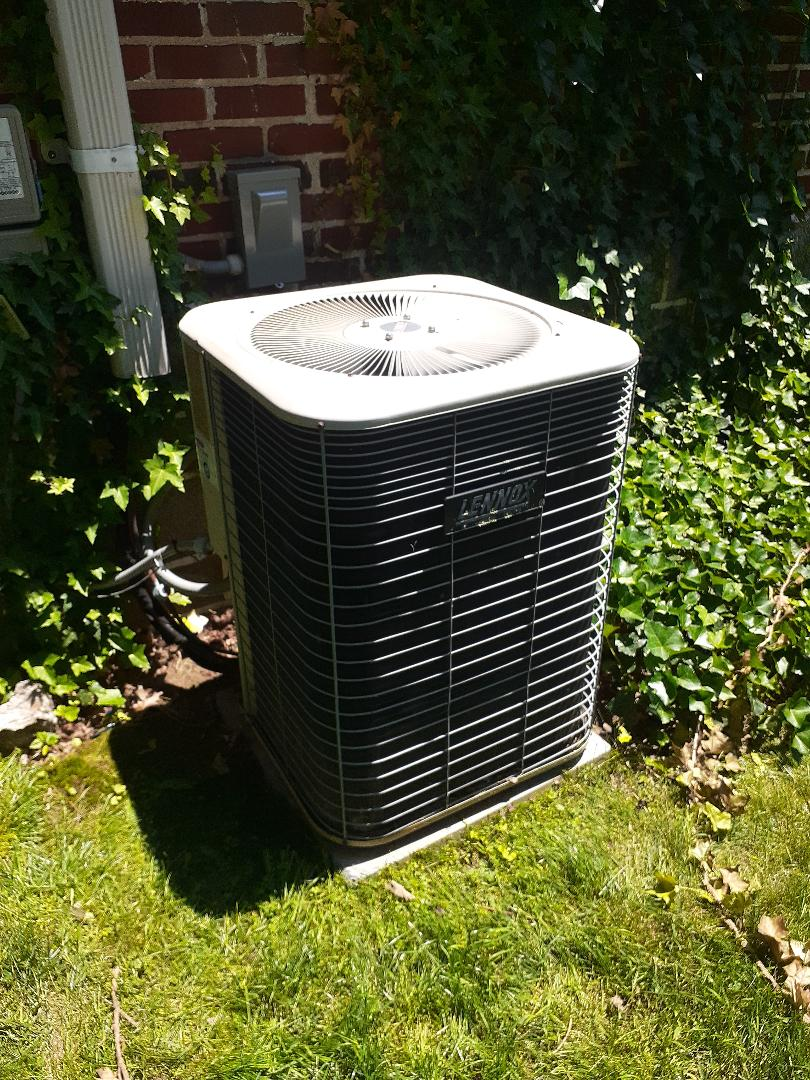 Langhorne, PA - Perform ac tune up on Lennox air conditioning unit in Langhorne PA system is operational at this time