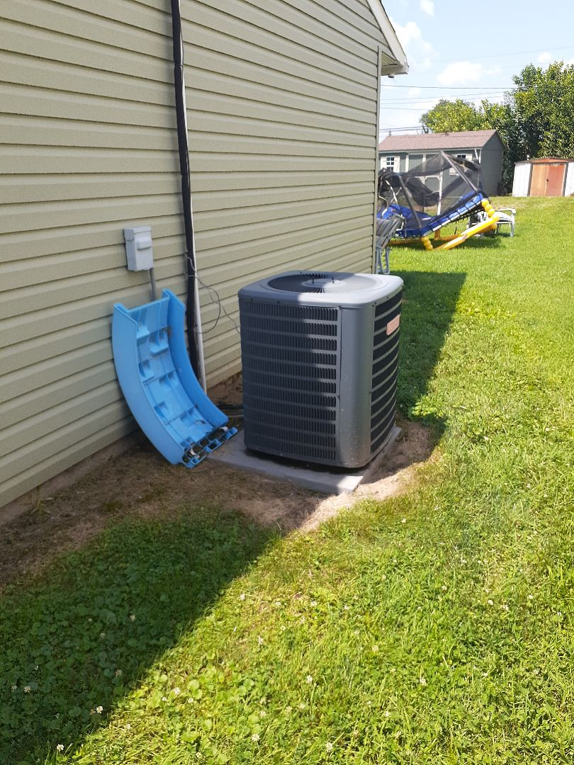 Levittown, PA - Perform inspection on heat pump in Pinewood section of Levittown PA