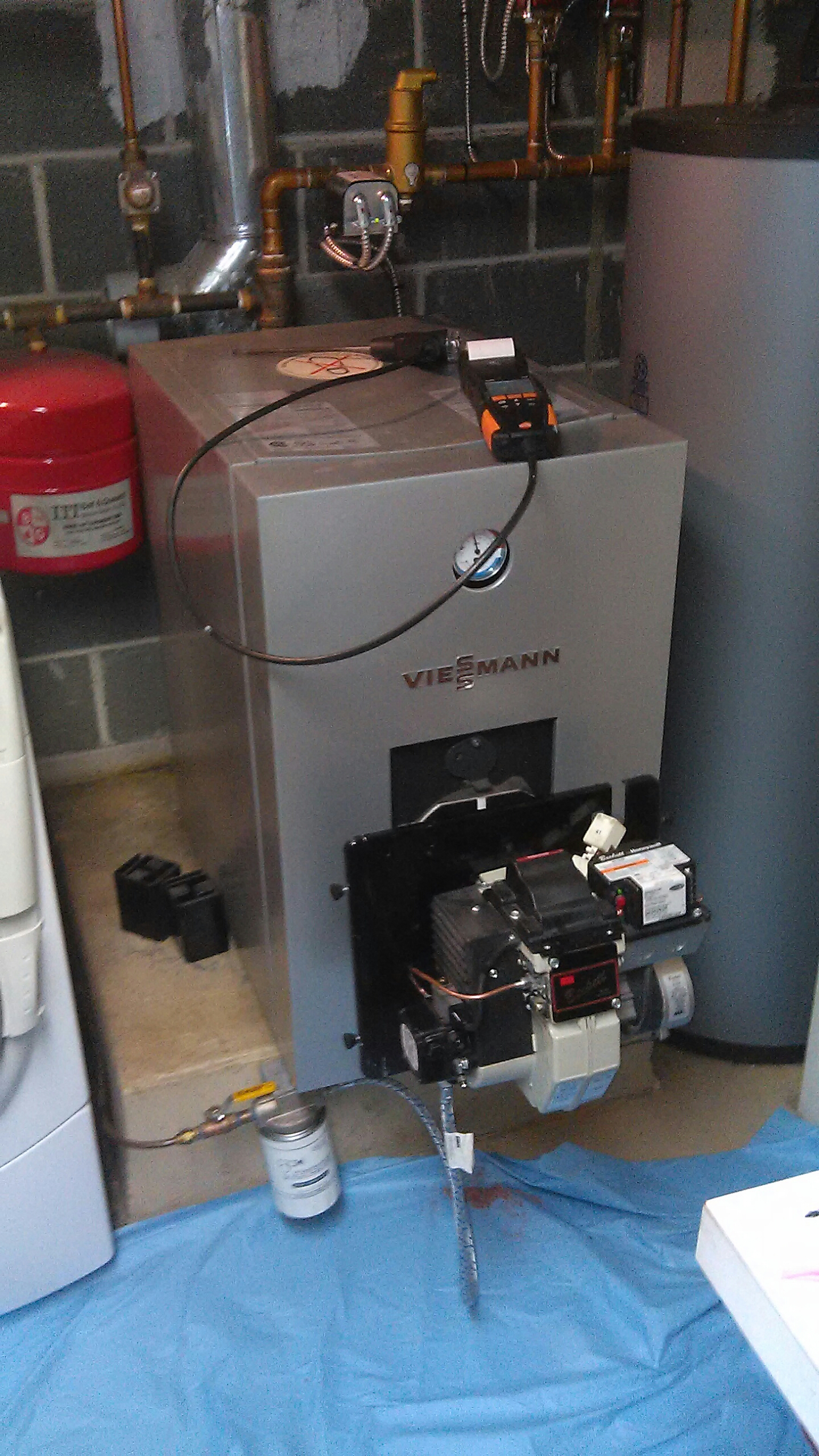 Southampton, PA - Performed a precision oil burner tune up on a Viessman boiler.