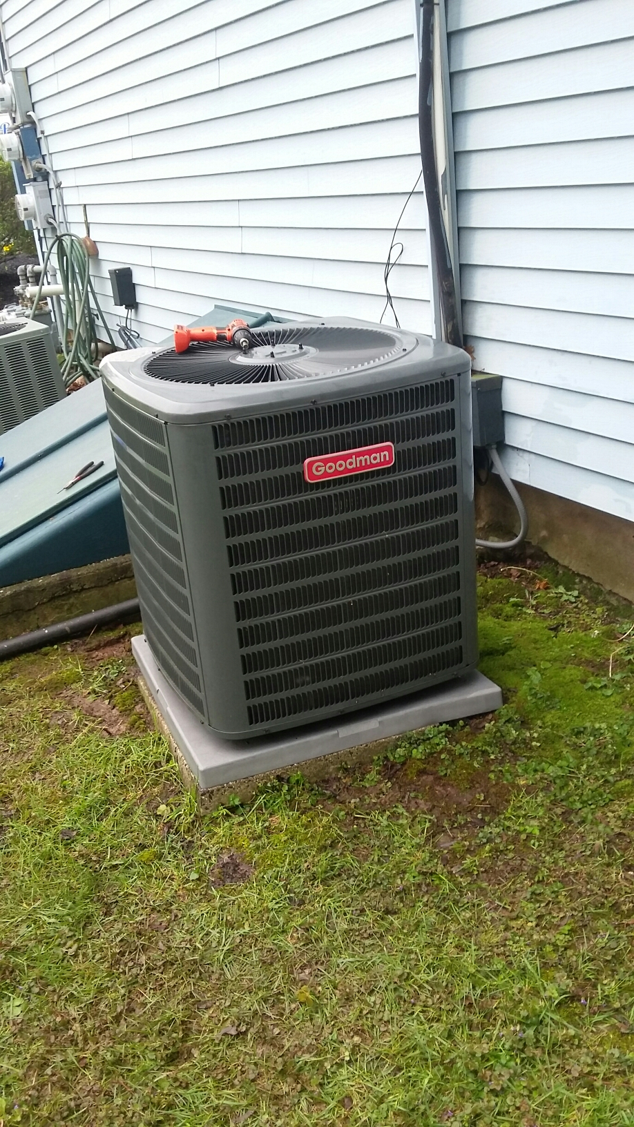 Southampton, PA - Chemical cleaned a Goodman condenser coil.