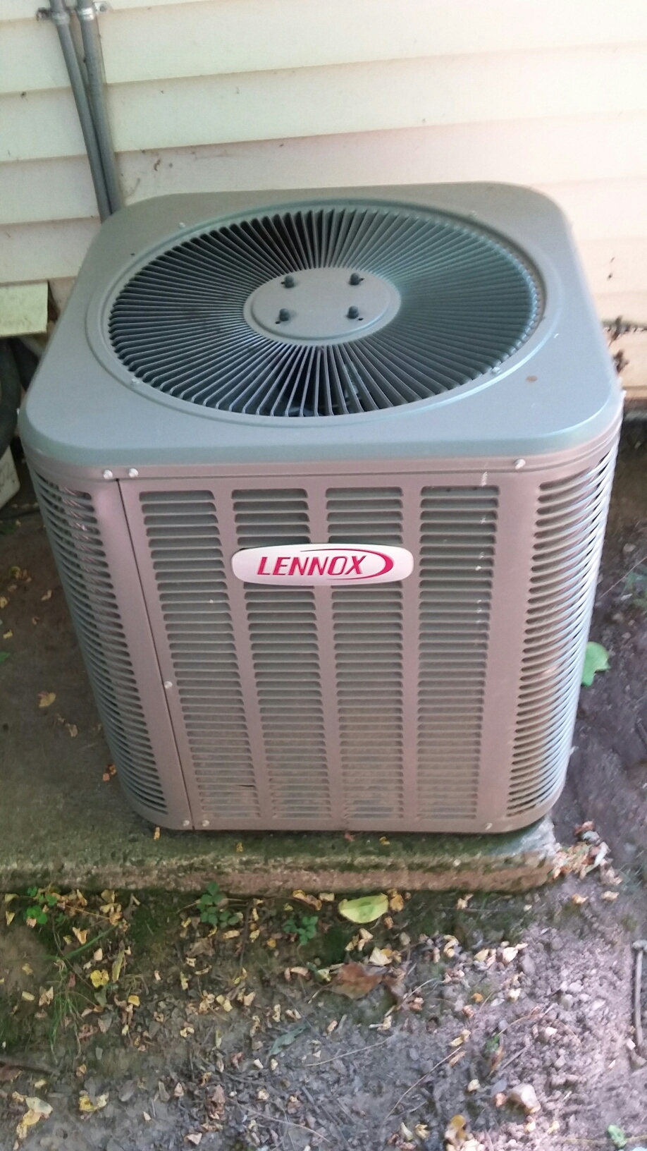 Yardley, PA - Performed an ac maintenance on a Lennox split system.