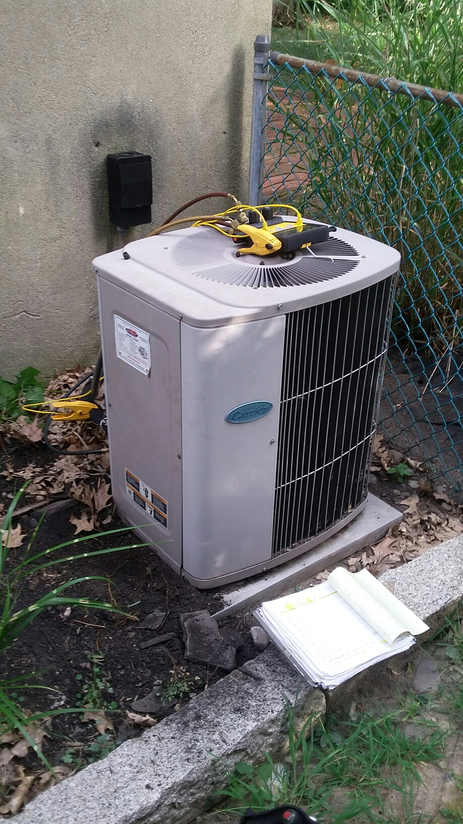 Warminster, PA - Carrier split system no ac. Found 35/5 capacitor to be faulty. Replaced & checked operations.