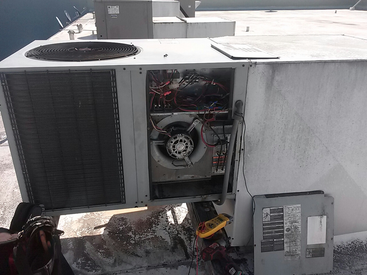 Sebastian, FL - Heating service call and repair on commercial rooftop package-unit not heating properly.