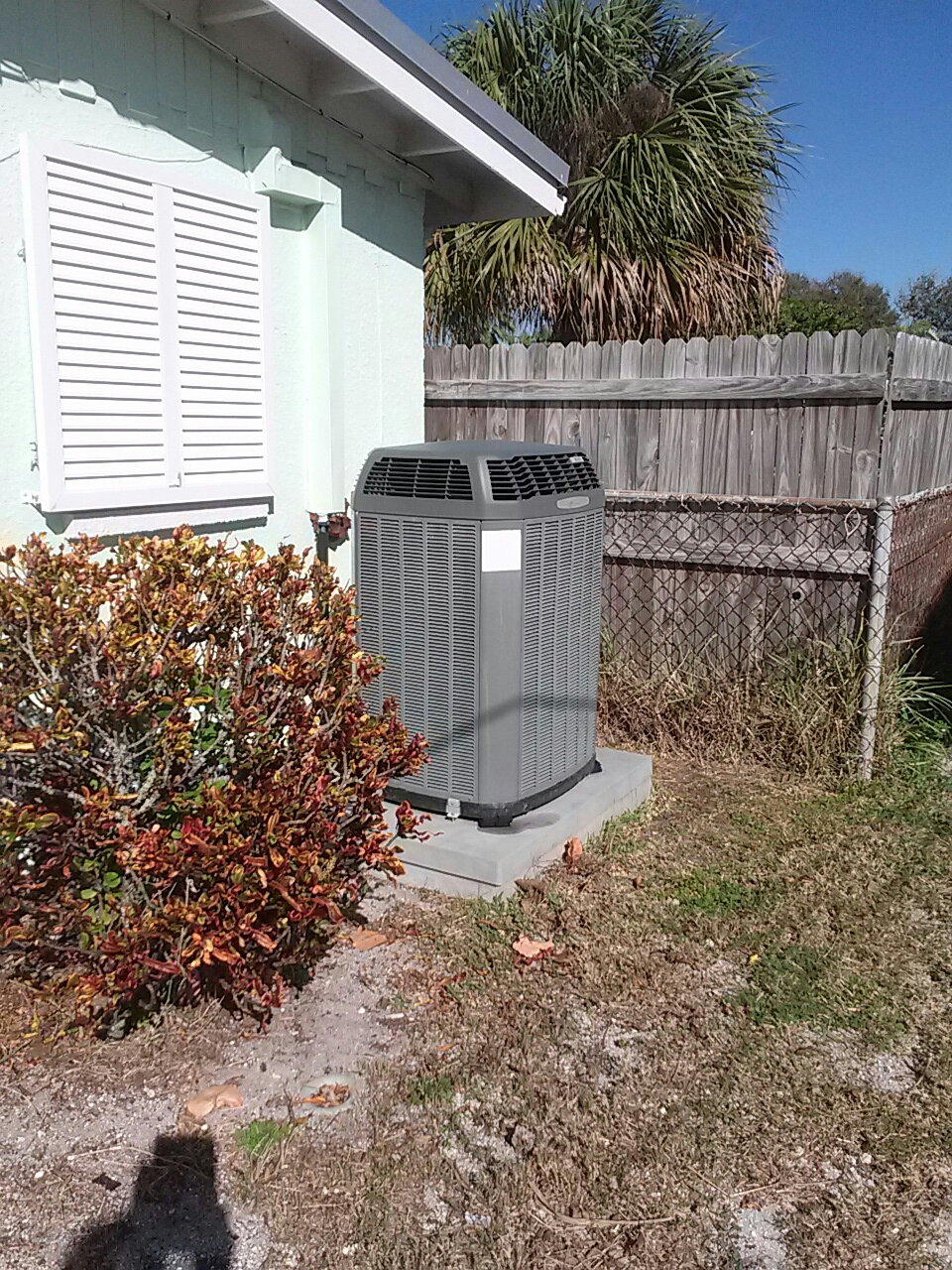 Cocoa Beach, FL - Perform preventative maintenance annual tune-up on a Trane air conditioning system.