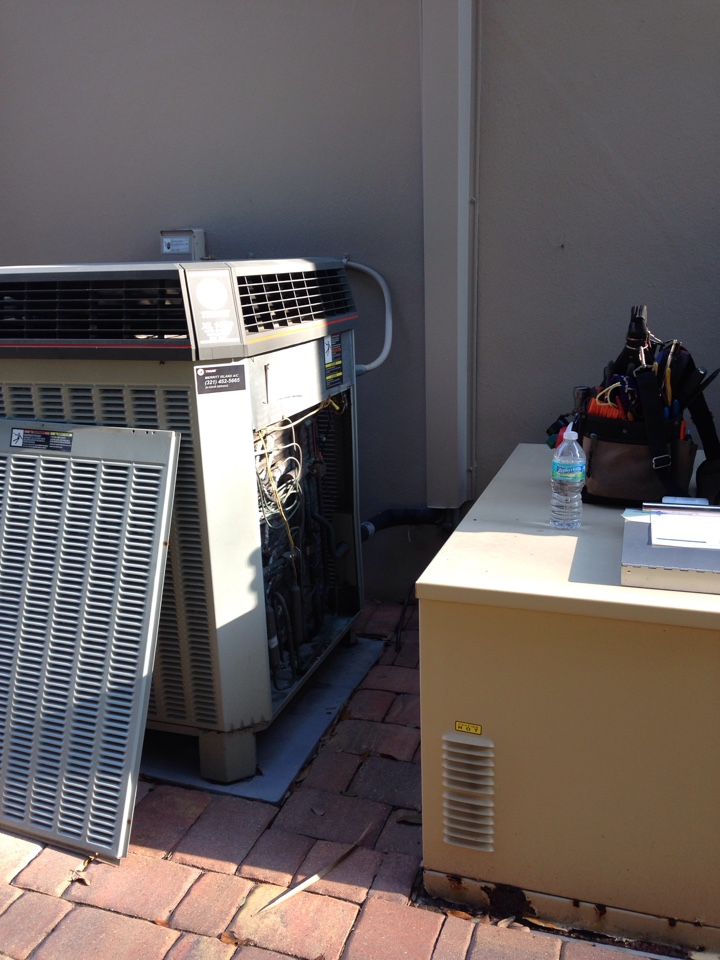 Cocoa, FL - Perform preventative maintenance bi-annual checkup on Trane XL1400 heat-pump air conditioning system.