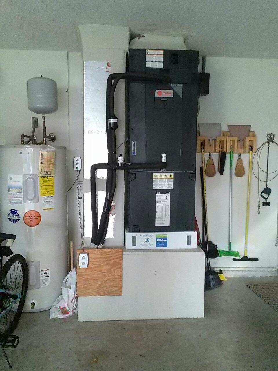 Merritt Island, FL - Residential air conditioning system tune up maintenance check