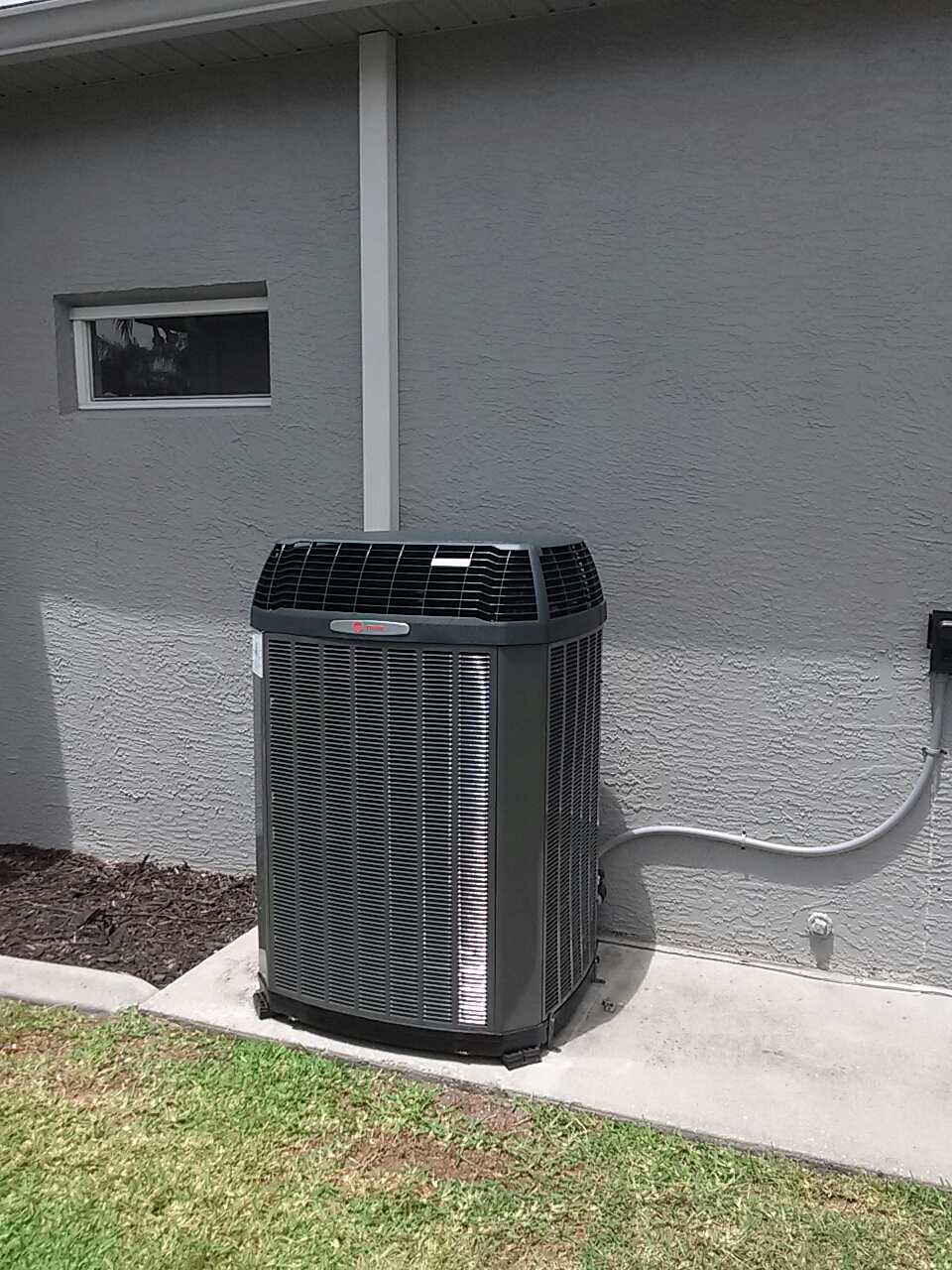 Merritt Island, FL - Installation of a Trane 5 ton split heat pump system in North Merritt Island for mr. And mrs. Prior