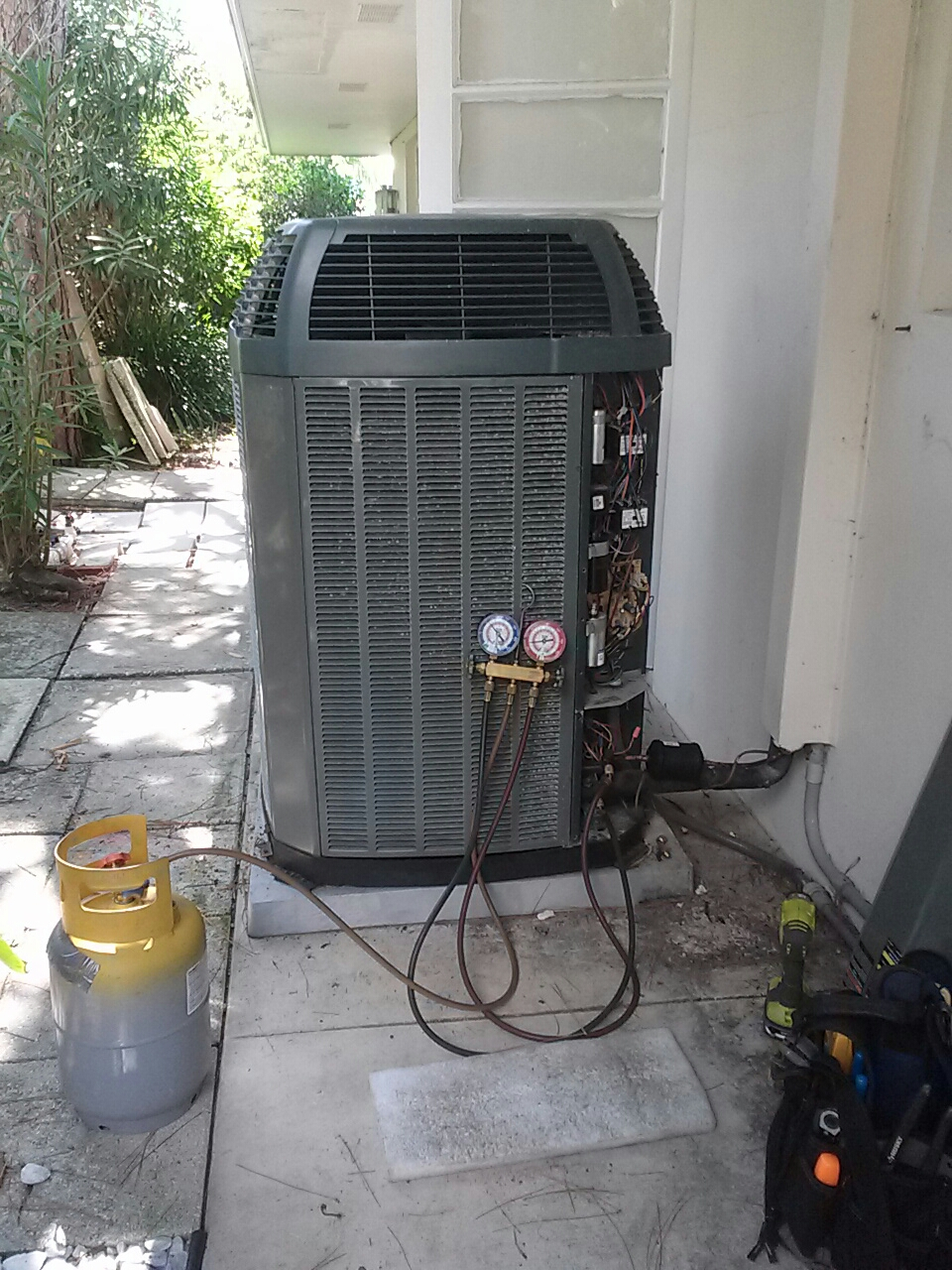 Indialantic, FL - Repair residential air conditioning system condenser coil