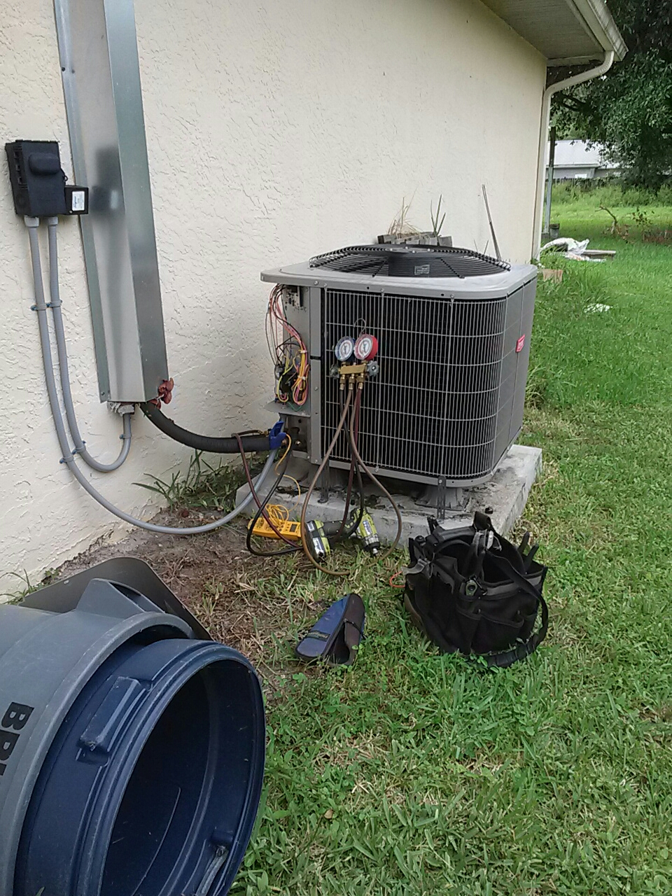 Palm Bay, FL - Repair residential air conditioning system run capacitor