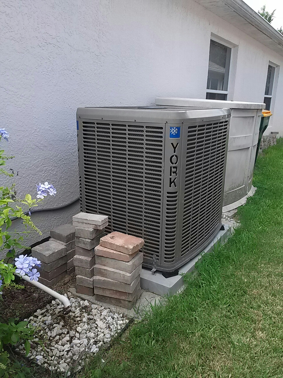 Melbourne, FL - Residential air conditioning system tune up maintenance York