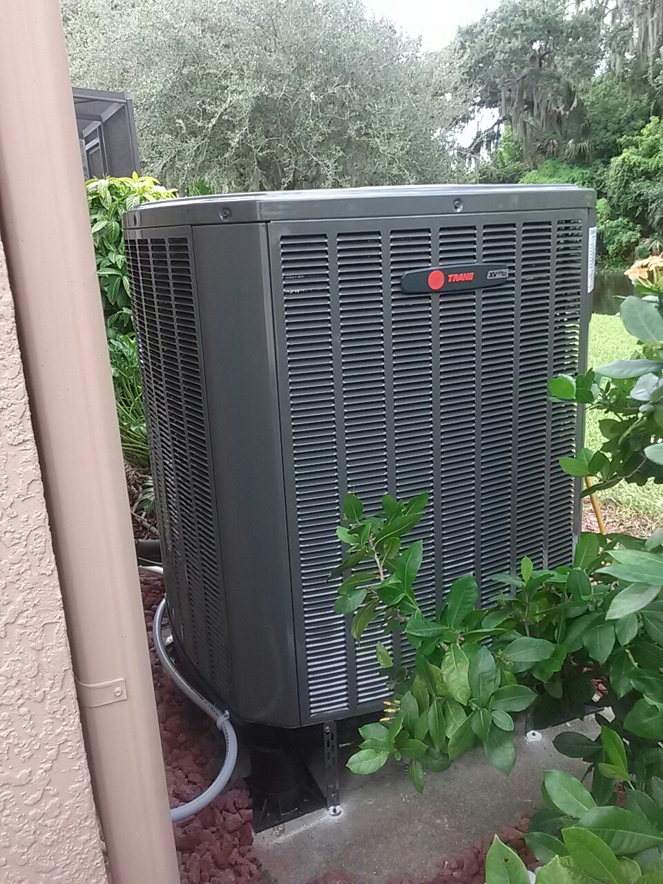 Melbourne, FL - Installation of Trane 4 ton true comfort variable speed heat pump AC system with Remy Halo air purifier and Trane cleaneffects air cleaner in West Melbourne Florida