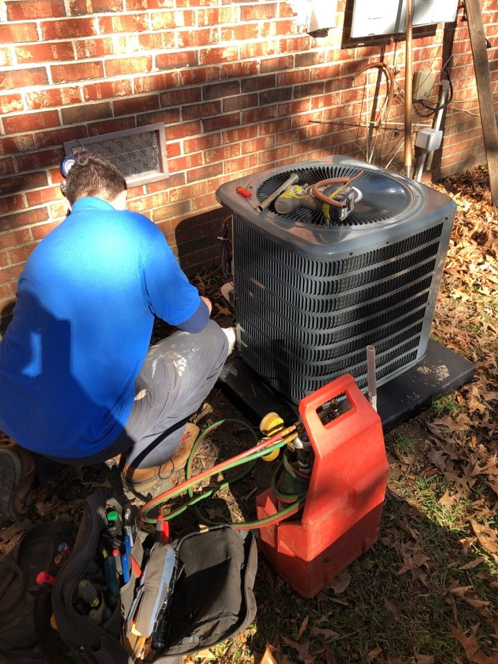 Greenwood, SC - Install new condenser and air handler.