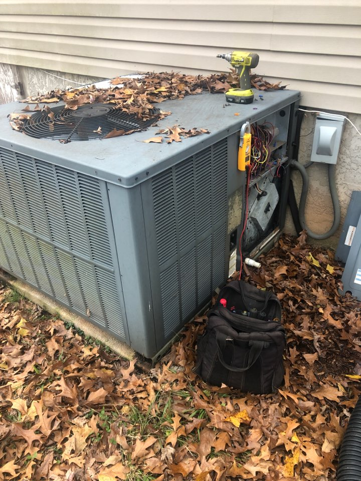 Gray Court, SC - Check operation of Goodman package heat pump