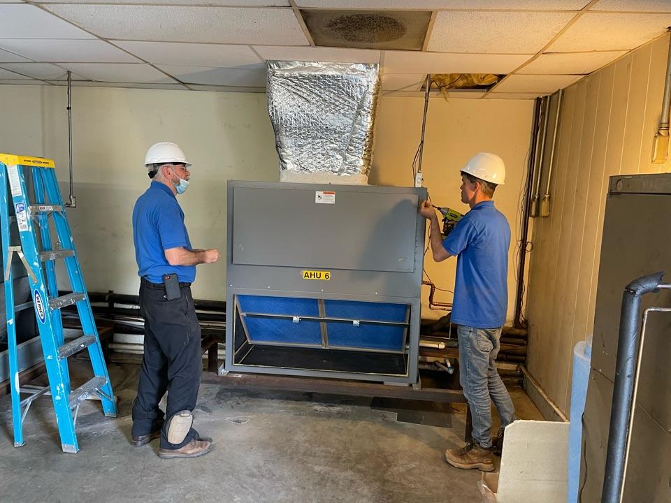 Fountain Inn, SC - Installed 7 1/2 ton heat pump Ruud.