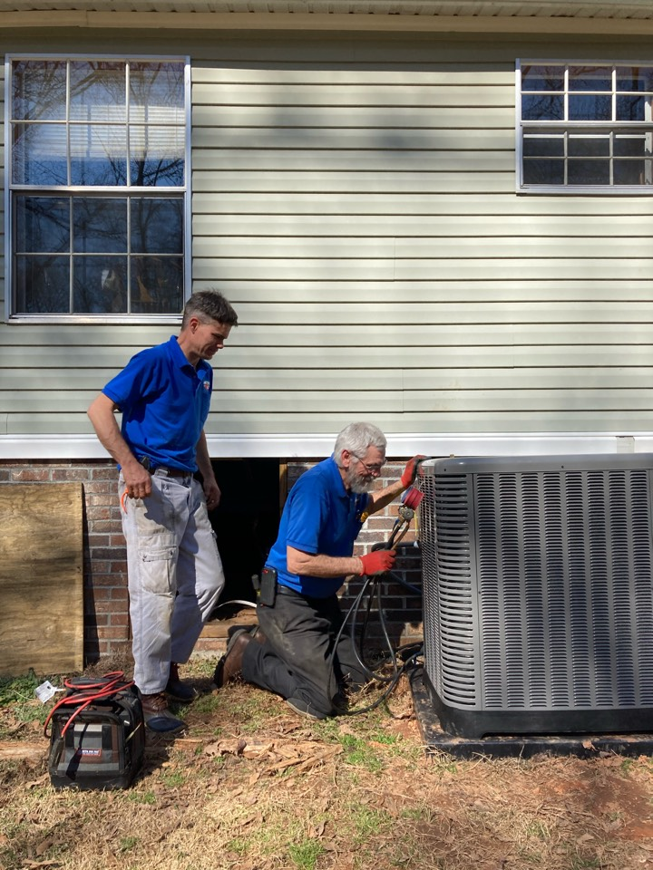 Gray Court, SC - Installed new Ruud heat pump and evaporator coil.
