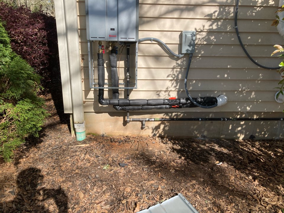 Gray Court, SC - Installed new Renee tankless water heater.