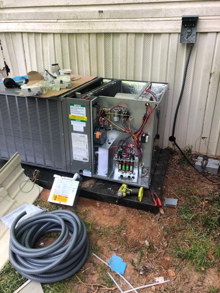 Gray Court, SC - Installing package heat pump