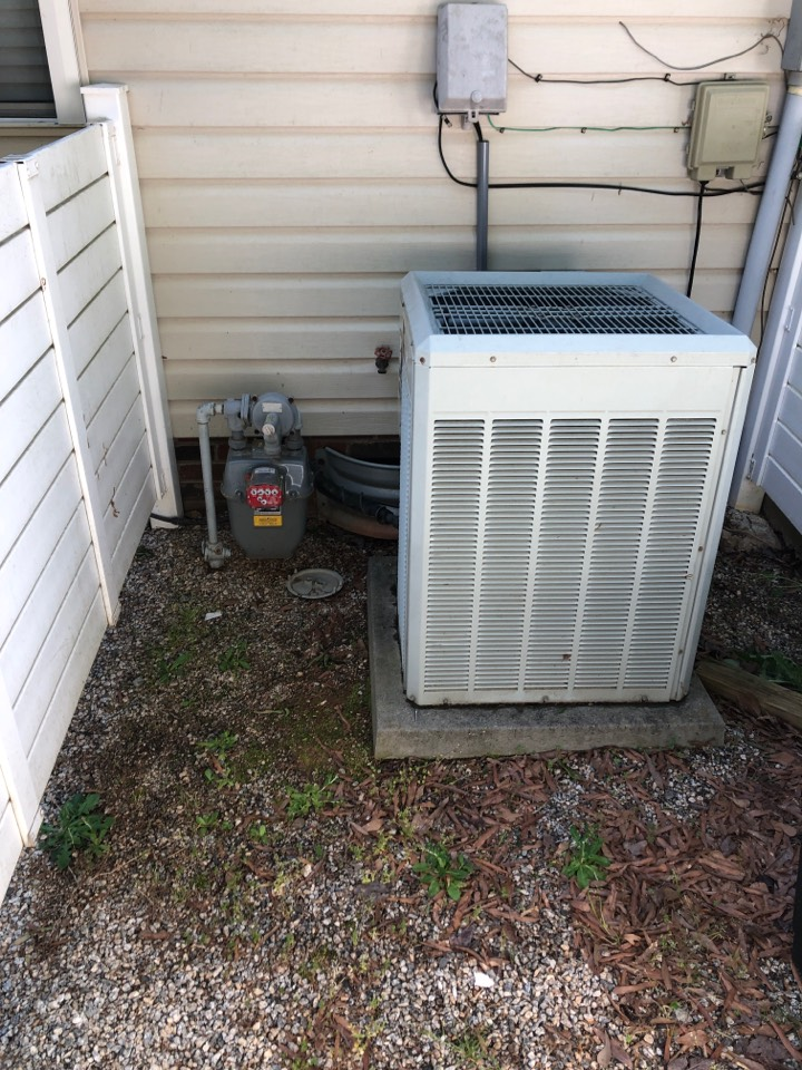 Fountain Inn, SC - Removing gas furnace and installing package unit