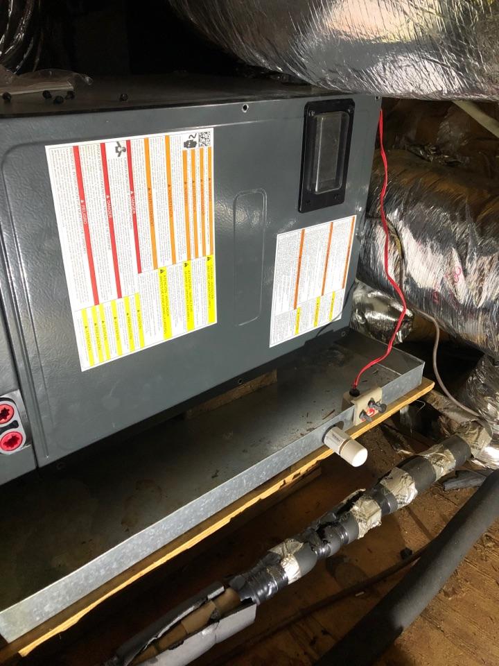Greer, SC - Servicing heat pump
