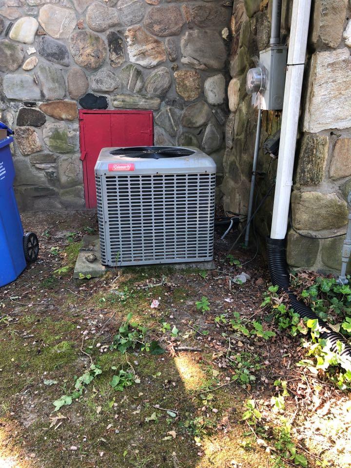 Taylors, SC - Repairing AC system
