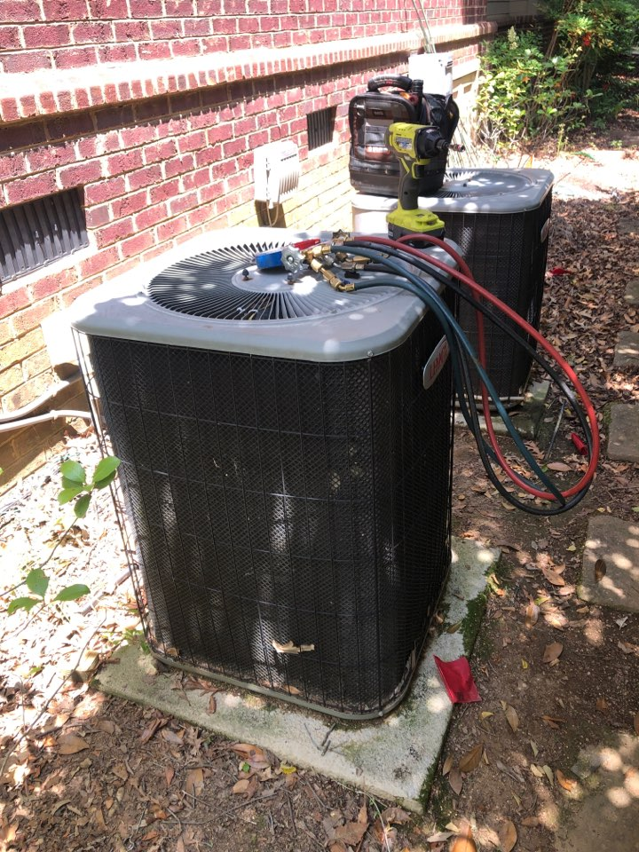 Greer, SC - Checking upstairs air conditioner