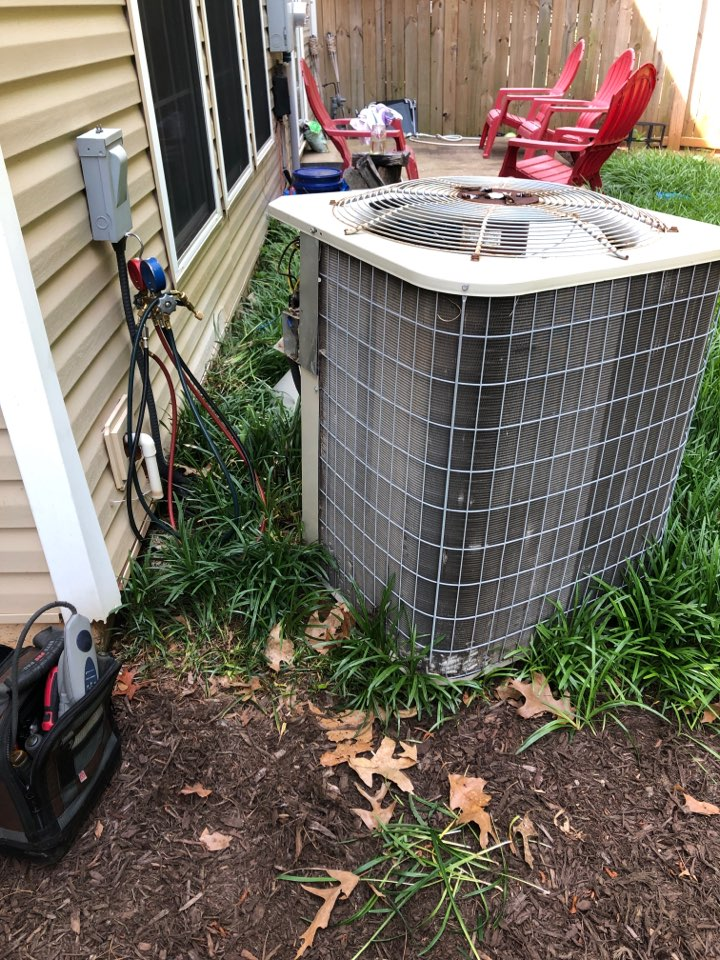 Greer, SC - Checking AC for not working