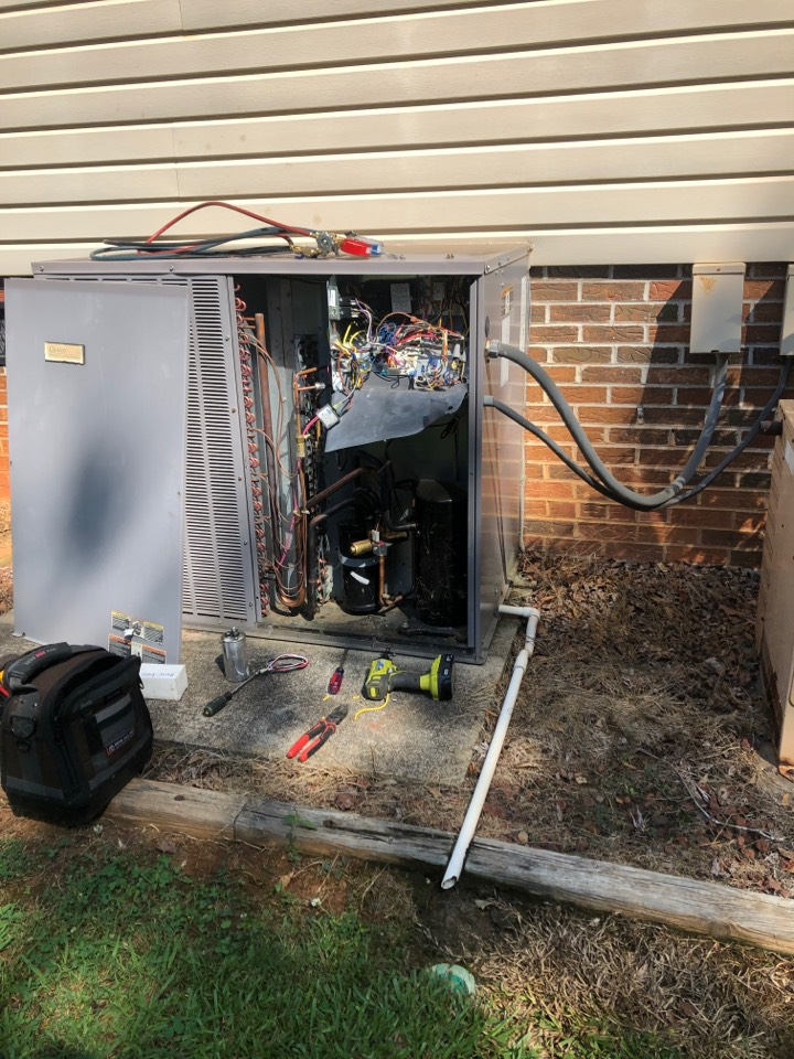 Gray Court, SC - Checking heat pump