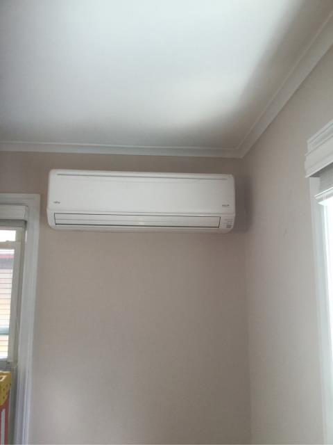 Stamford, CT - Installed new Fujitsu Ductless Heat Pump in a single family residence.  Now this customer will have efficient supplemental air conditioning and heating!