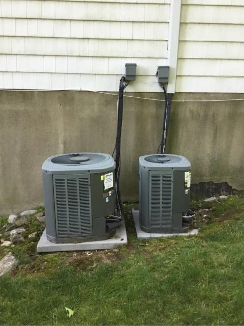 Trumbull, CT - No ac call this morning, found bad condenser fan motor on Trane unit. Gave customer options for repair and replacement.