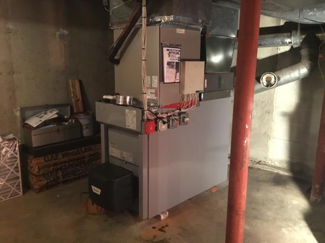 Stratford, CT - Installed a new Carrier 86% AFUE 154000 BTUH Oil Furnace and Carrier 5 Ton 13 SEER Air Conditioning System