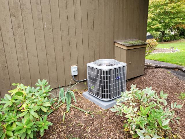 Stratford, CT - Installed a new Carrier 2.5 Ton 13 SEER Air Conditioning system and a Carrier 80% AFUE 90000 BTUH Multipoise Gas Furnace