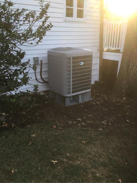 Greenwich, CT - Installed a Carrier Infinity 2 Ton 20 SEER Central Air Conditioning system with Greenspeed Intelligence, Carrier 97% Efficient Modulating Gas Furnace, Carrier IAQ Germicidal Air Purifier and two Aprilaire Whole House Humidifiers