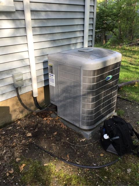 Trumbull, CT - Performed AC maintenance on Carrier condenser.