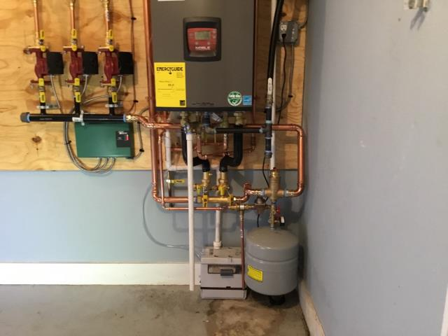 Stratford, CT - Customer needed boiler checked out before a home inspection. This one is in tip top shape.