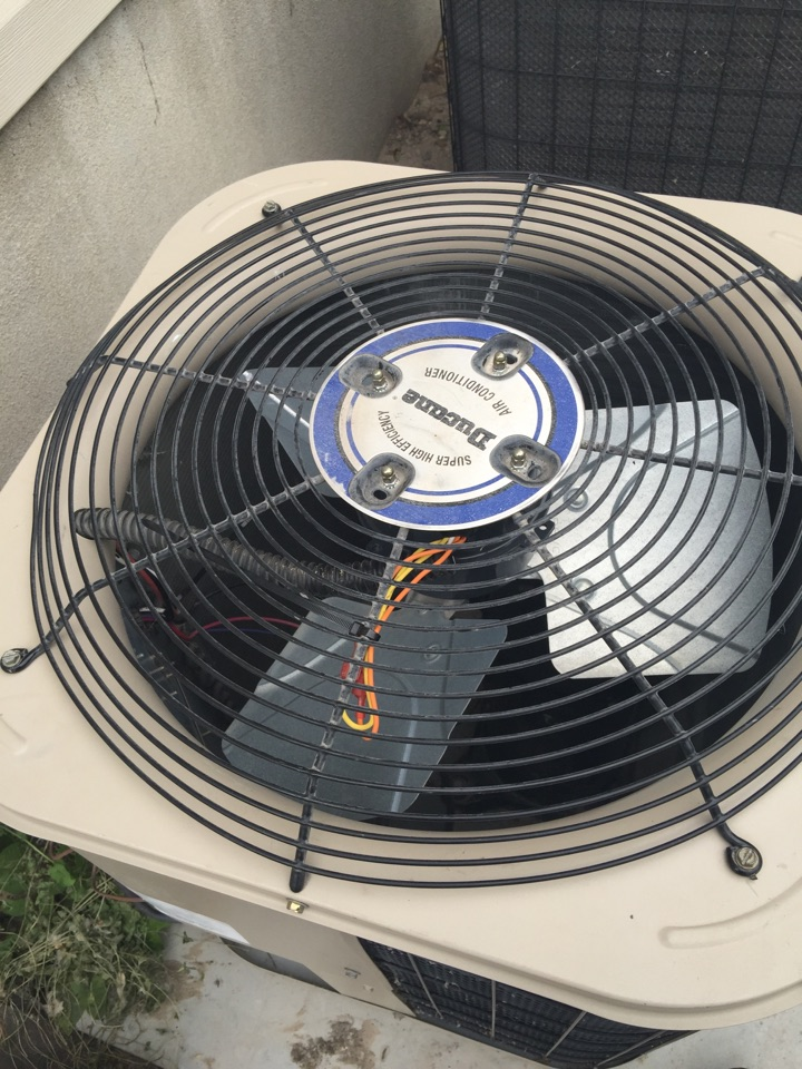 Riverton, UT - Replaceing condenser fan motor on Duane air conditioner