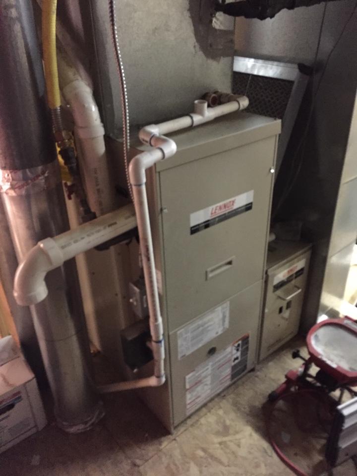 South Jordan, UT - Repairs to Lennox 80% furnace bad igniter